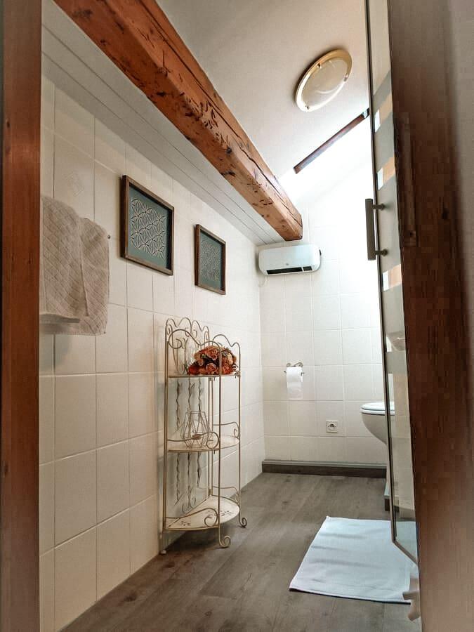 chambre iris salle de bain la maison fleurie